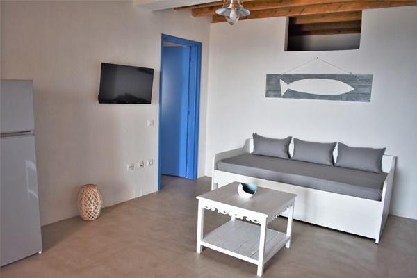 Ενοικιαζόμενα δωμάτια studios Αρσινόη Σέριφος Studio Αμφιθόη